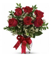 15 Red Roses In a Vase